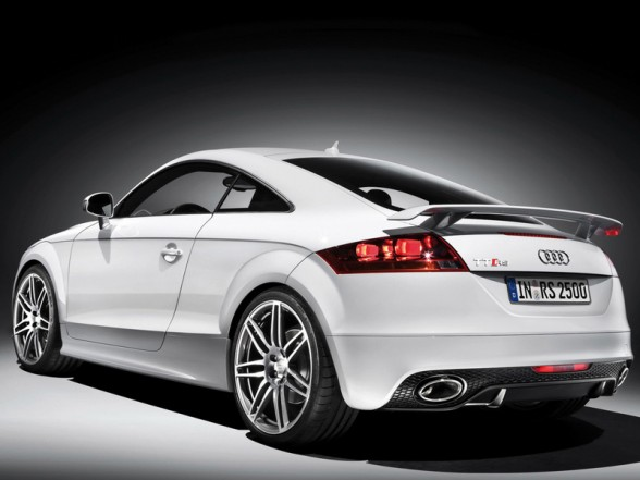 Audi TT RS Coupe: 9 фото