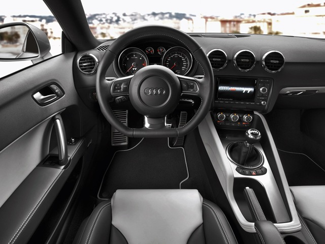 Audi TT RS Coupe: 12 фото