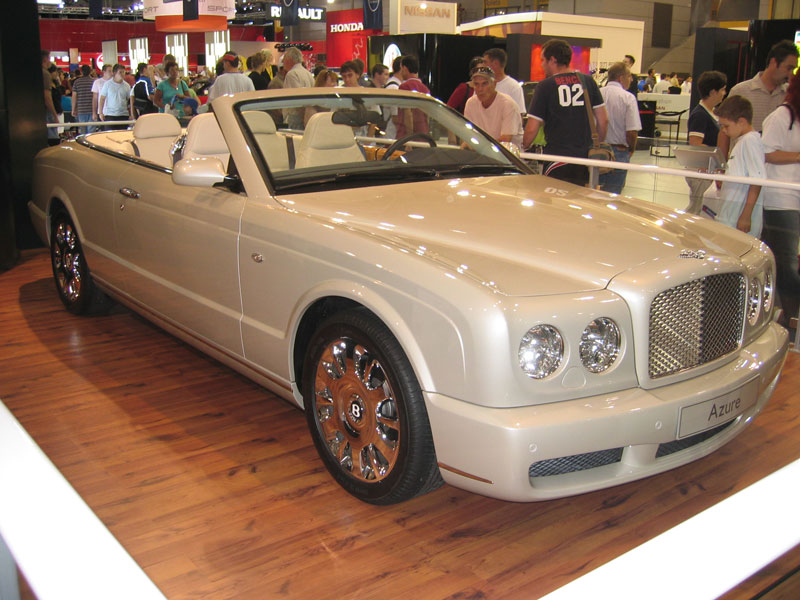 Bentley Azure: 7 фото