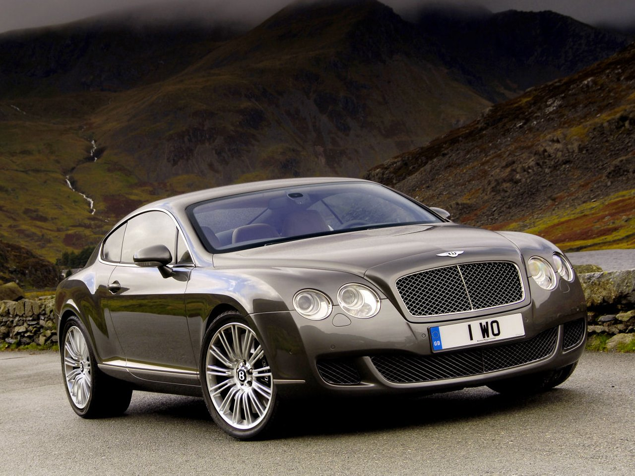 Bentley Continental GT: 06 фото