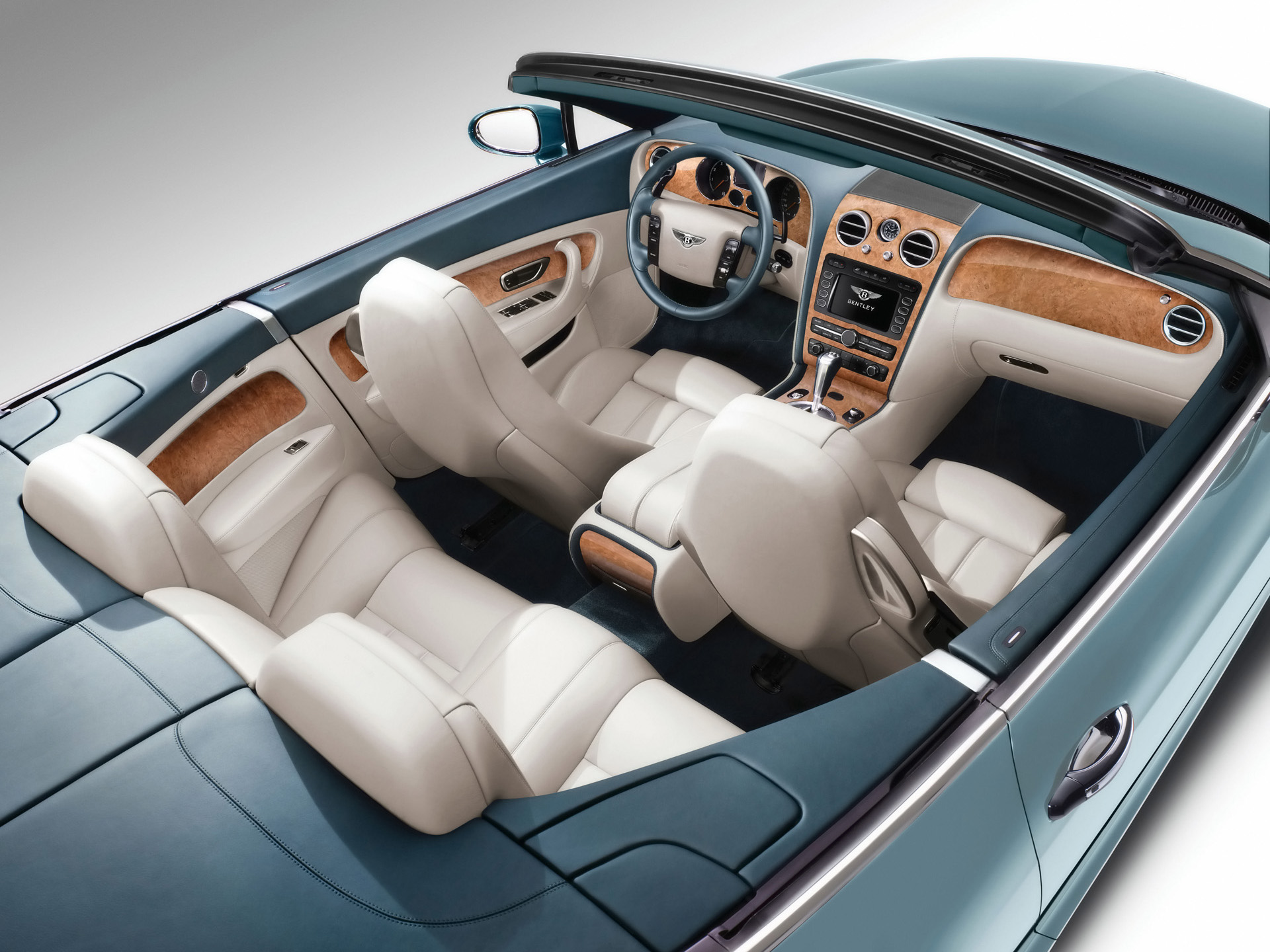 Bentley Continental GTC: 11 фото