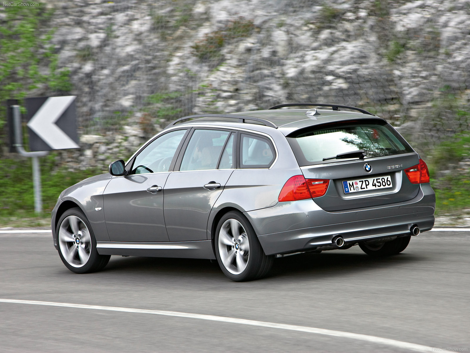 BMW 3-series Touring: 03 фото