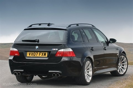 BMW 5-series Touring: 01 фото