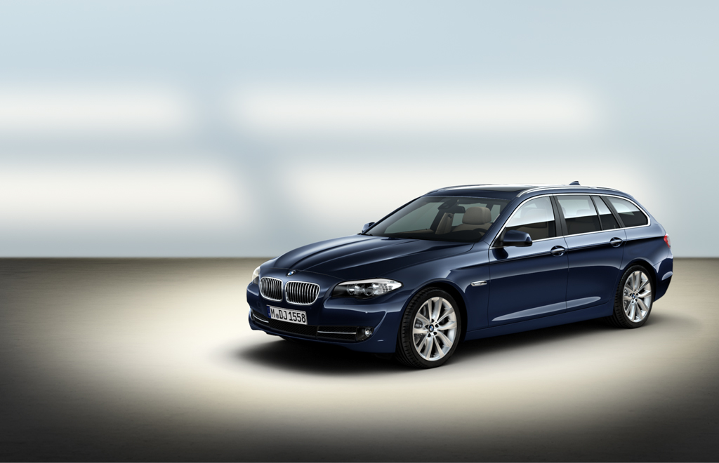 BMW 5-series Touring: 02 фото