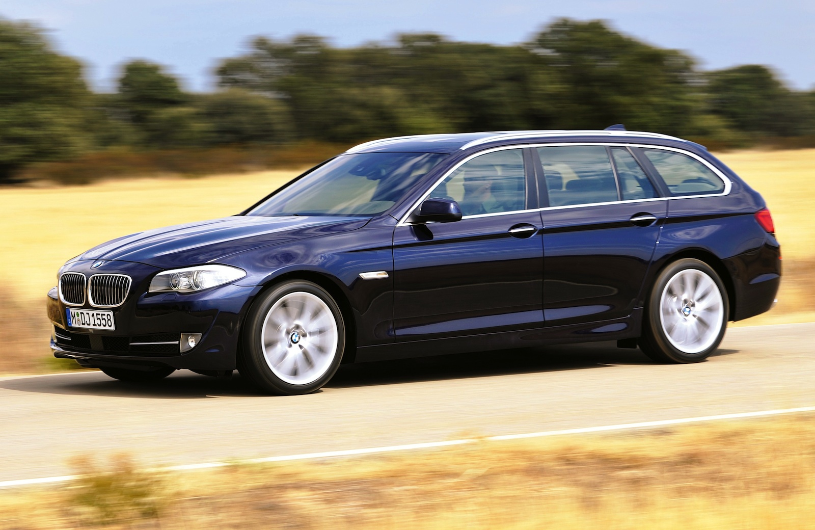 BMW 5-series Touring: 06 фото