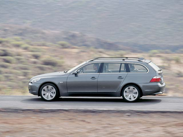 BMW 5-series Touring: 07 фото