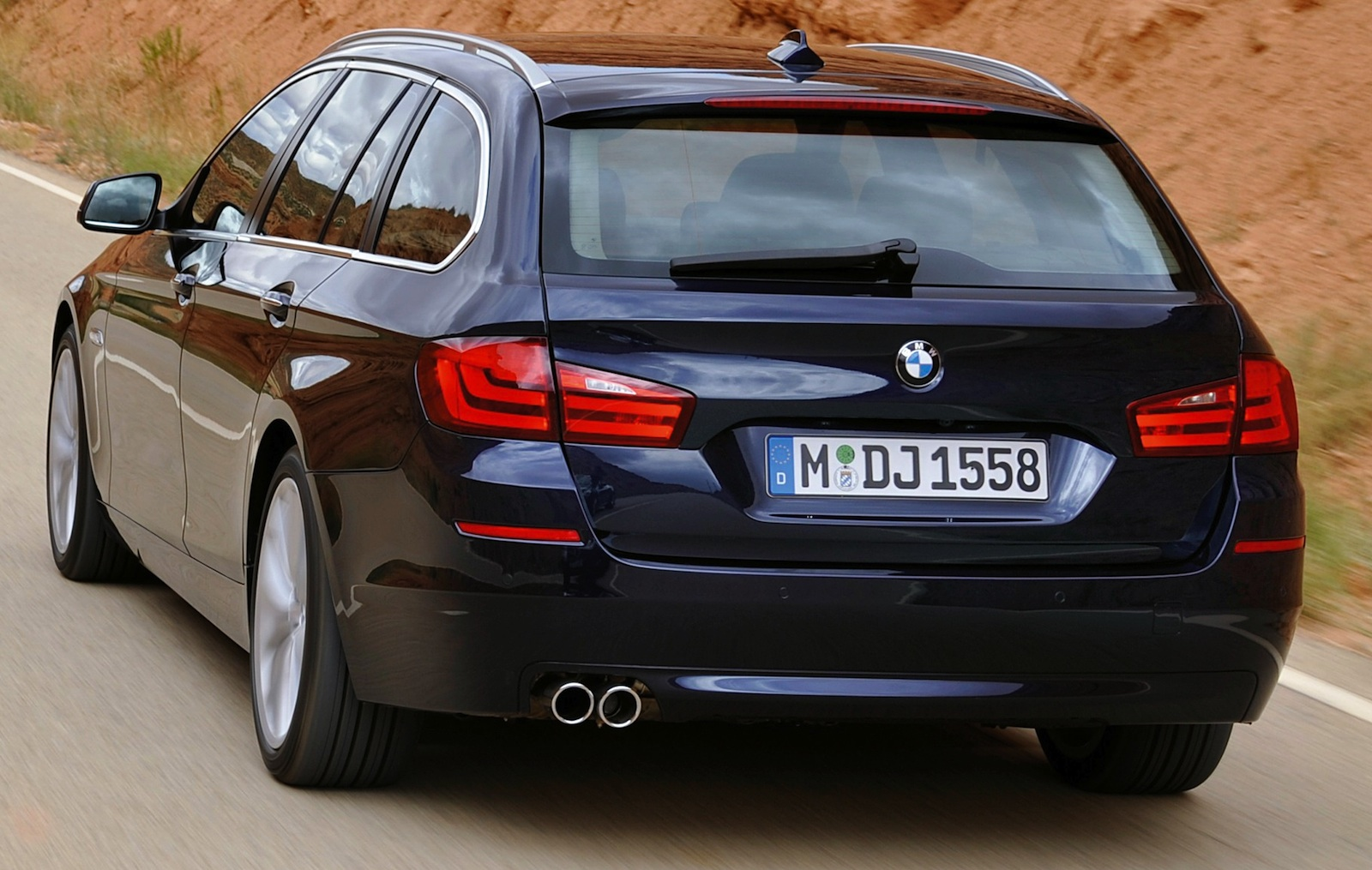 BMW 5-series Touring: 09 фото