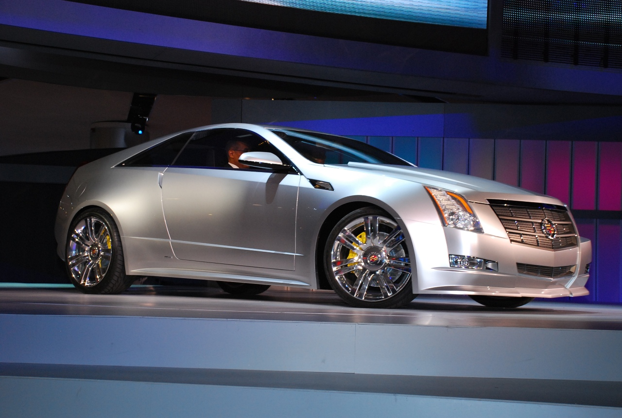 Cadillac CTS Coupe: 09 фото