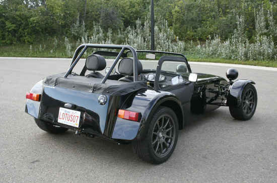 Caterham Super Seven: 9 фото
