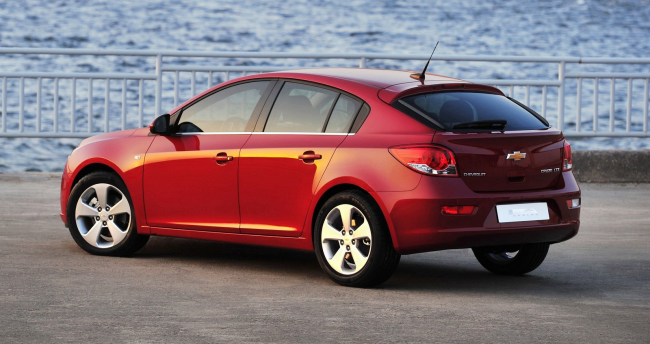 Chevrolet Cruze Hatchback: 08 фото