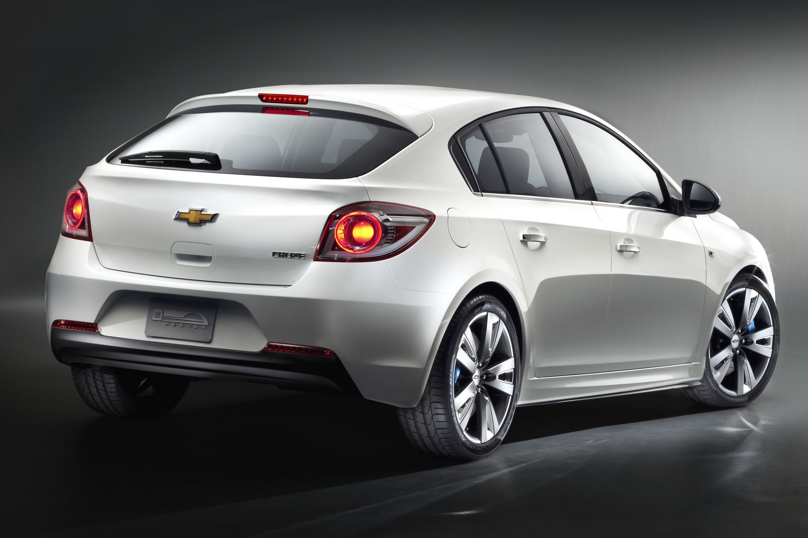 Chevrolet Cruze Hatchback: 09 фото
