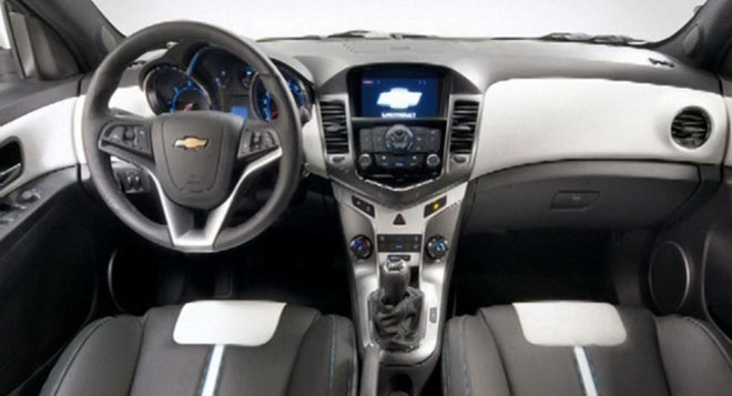 Chevrolet Cruze Hatchback: 10 фото