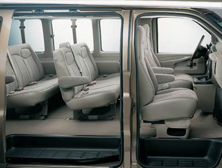 Chevrolet Express: 07 фото