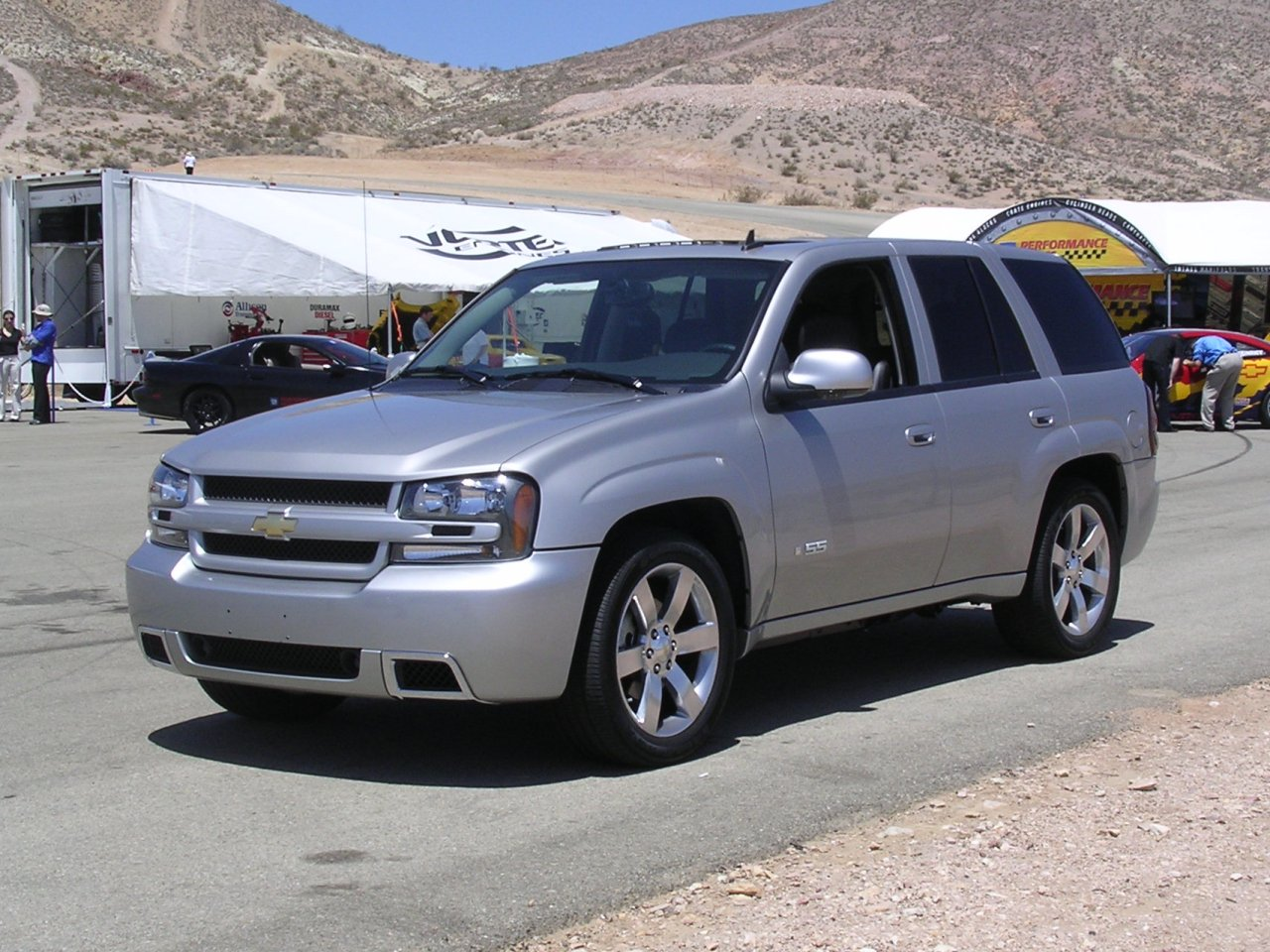 Chevrolet TrailBlazer: 3 фото