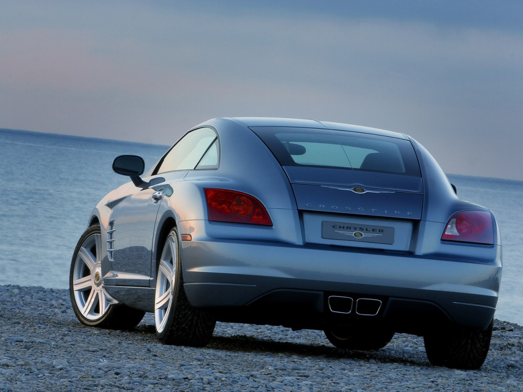 Chrysler Crossfire: 11 фото