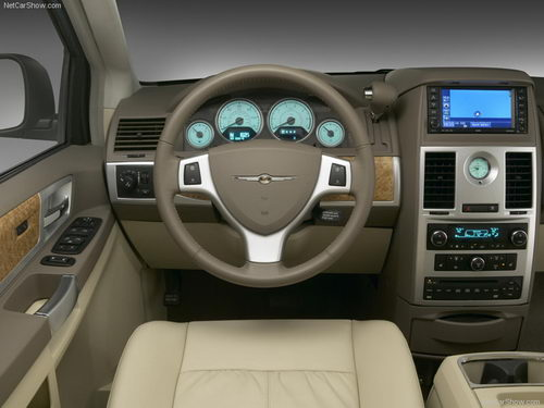 Chrysler Grand Voyager: 05 фото
