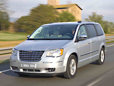 Chrysler Grand Voyager: 10 фото