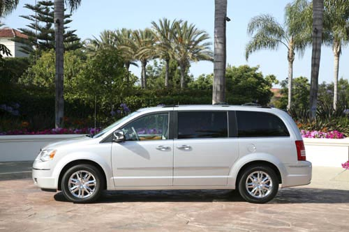 Chrysler Town and Country: 10 фото