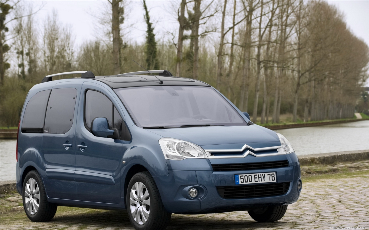 Citroen Berlingo: 06 фото