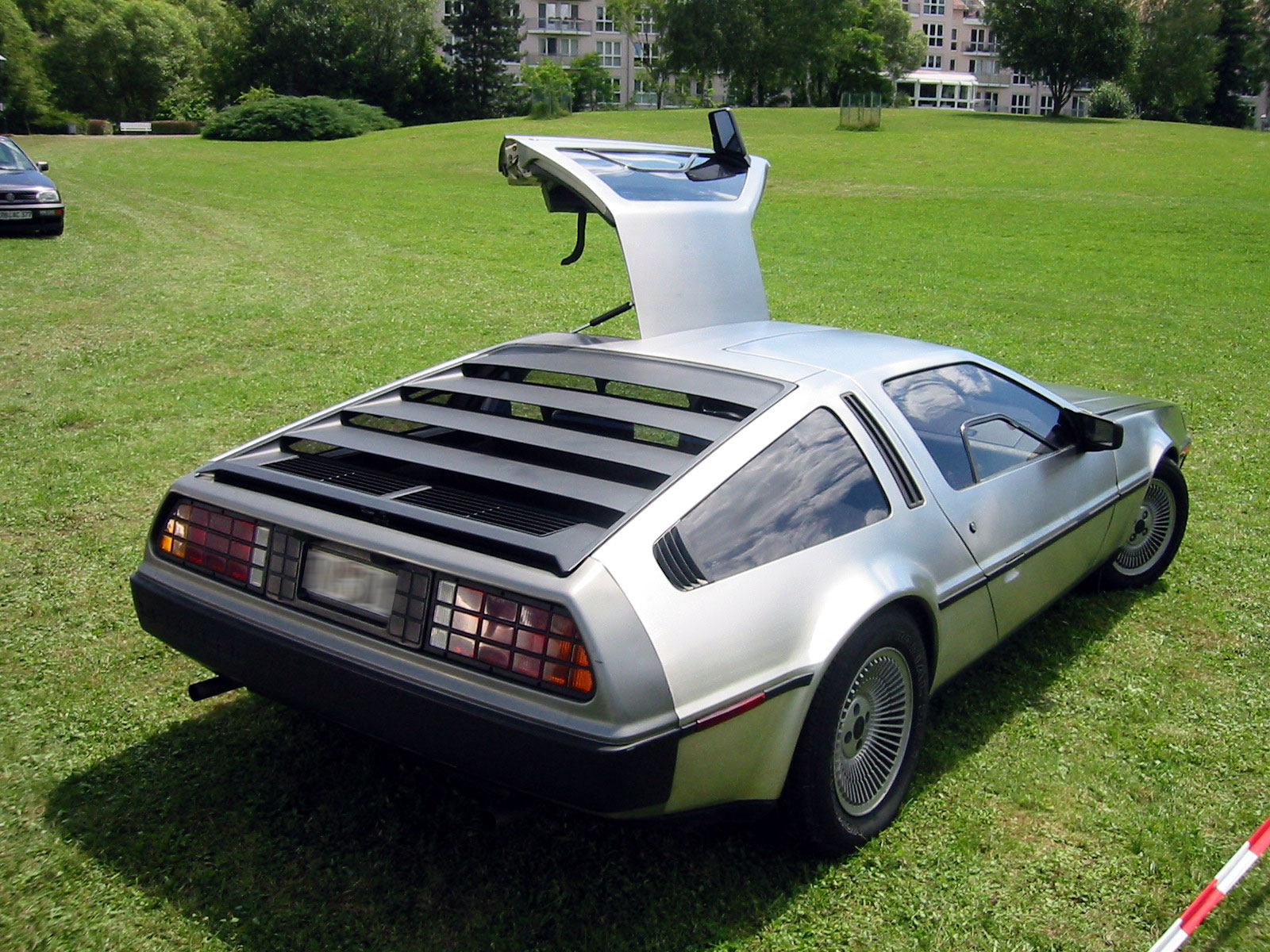 DeLorean DMC-12: 02 фото