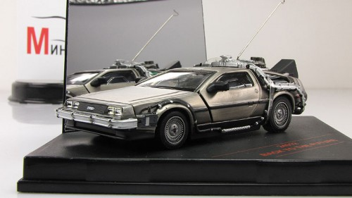 DeLorean DMC-12: 11 фото