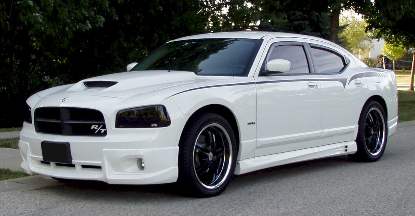 Dodge Charger: 09 фото