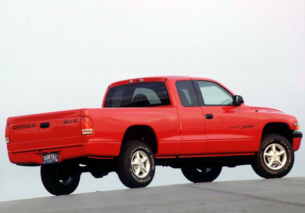 Dodge Dakota II: 04 фото