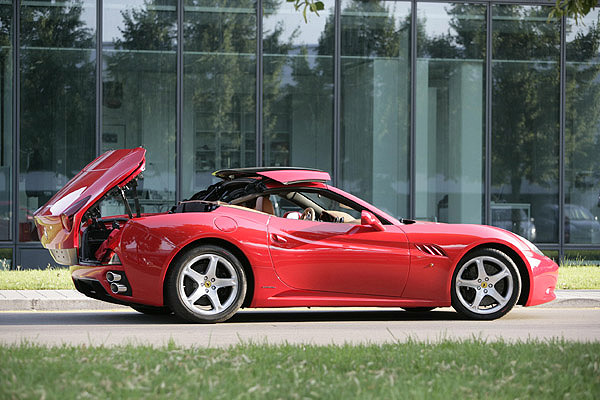 Ferrari California: 02 фото