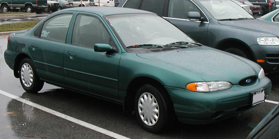 Ford Contour: 03 фото