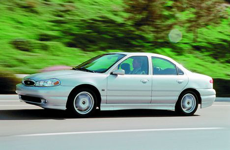 Ford Contour: 07 фото