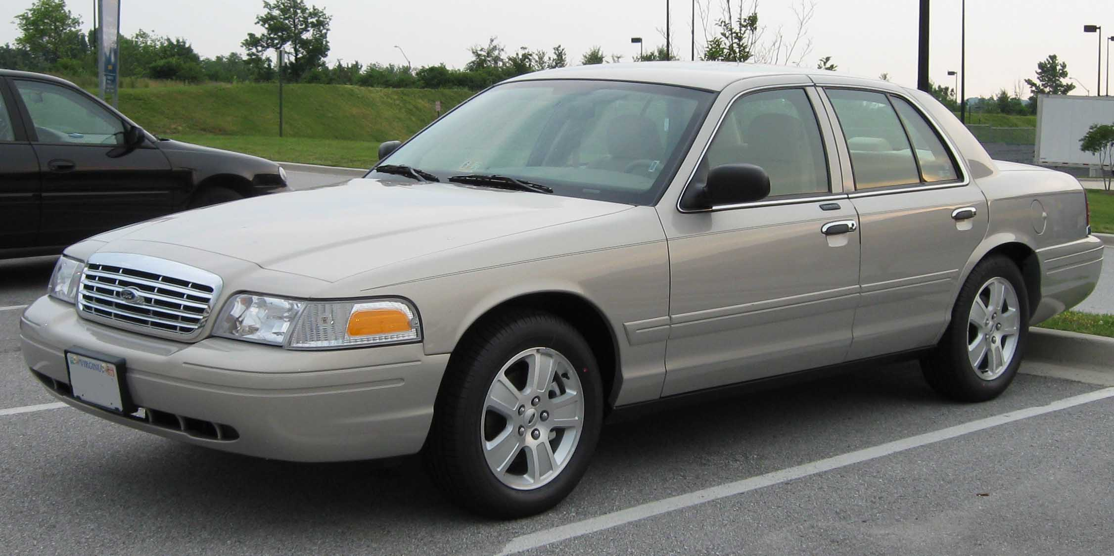 Ford Crown Victoria: 06 фото