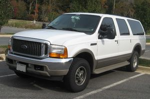 Ford Excursion: 2 фото
