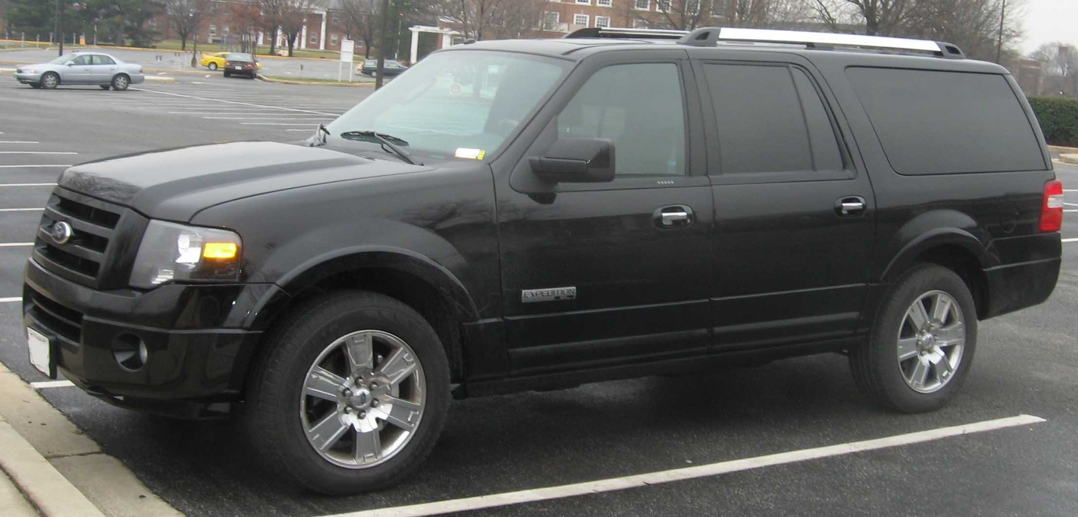 Ford Expedition: 8 фото
