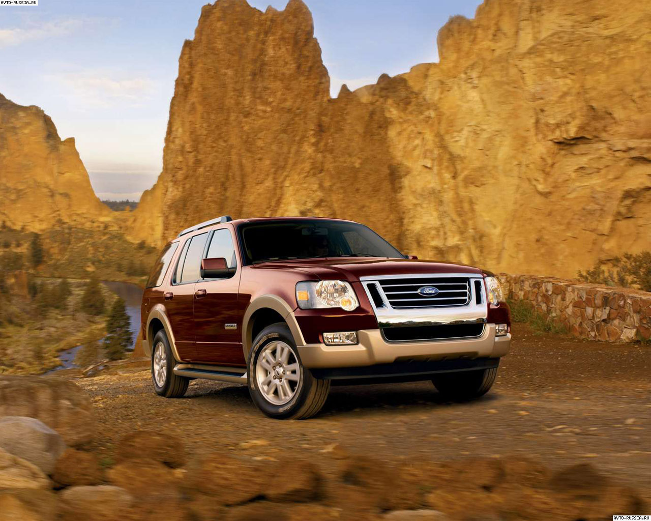 Ford Explorer IV: 10 фото