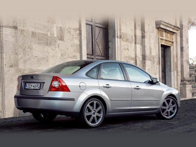 Ford Focus II Sedan: 02 фото