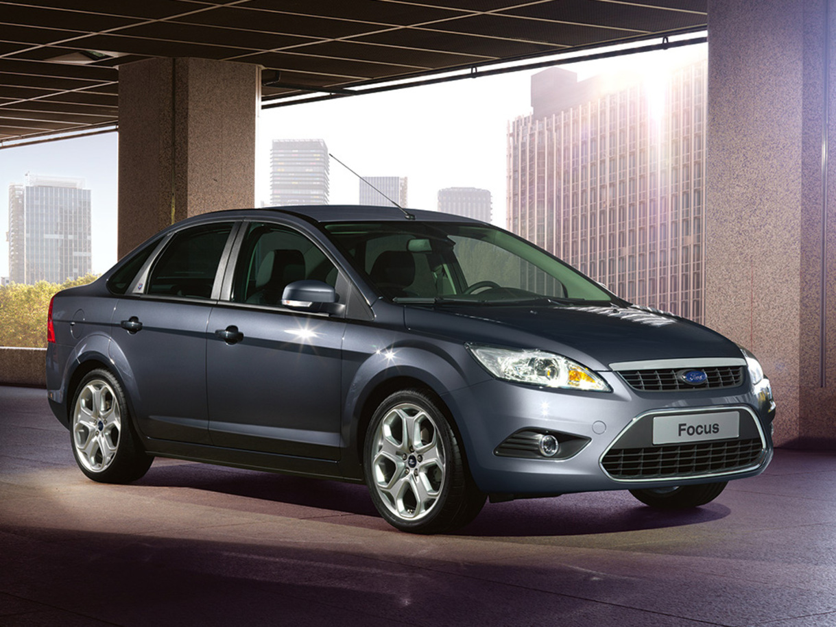 Ford Focus Sedan: 02 фото