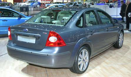 Ford Focus Sedan: 04 фото