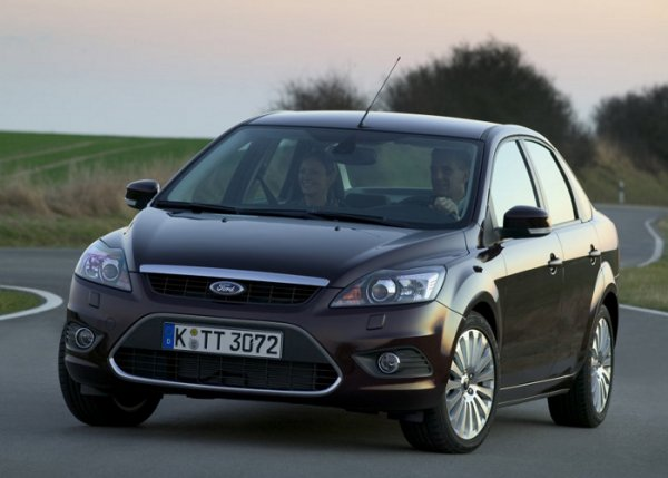 Ford Focus Sedan: 05 фото
