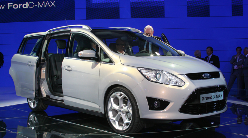 Ford Grand C-Max: 10 фото