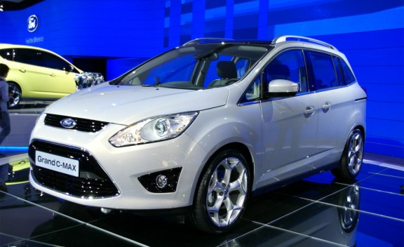 Ford Grand C-Max: 11 фото
