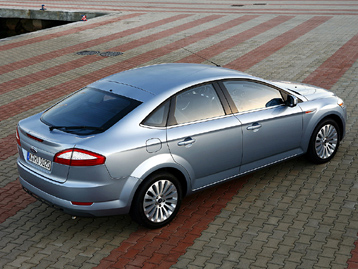 Ford Mondeo Hatchback: 08 фото