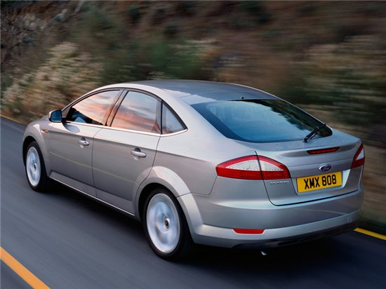 Ford Mondeo Hatchback: 09 фото