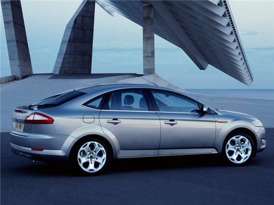 Ford Mondeo Hatchback: 11 фото