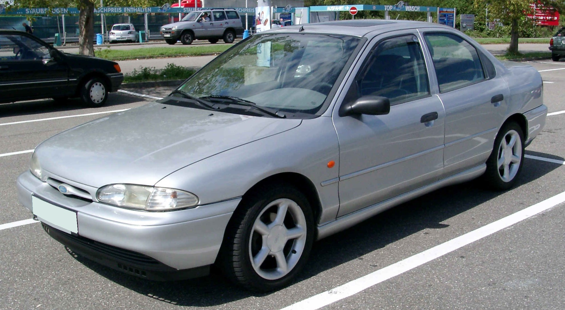 Ford Mondeo I: 8 фото