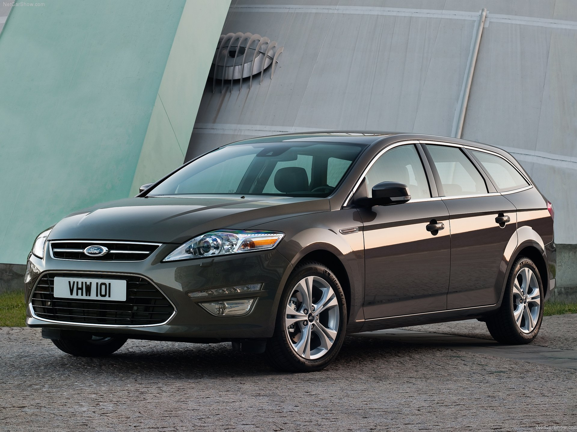 Ford Mondeo Wagon: 12 фото