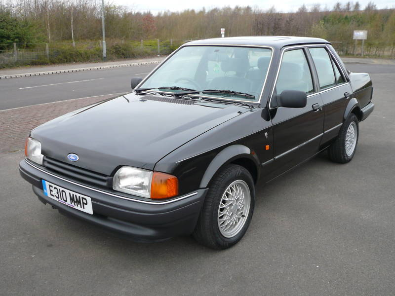 Ford Orion: 8 фото