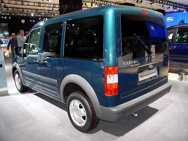 Ford Tourneo Connect: 3 фото