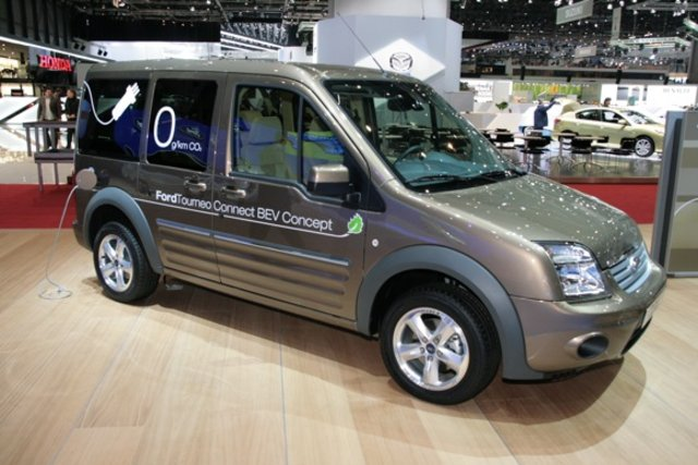 Ford Tourneo Connect - 640 x 427, 05 из 16