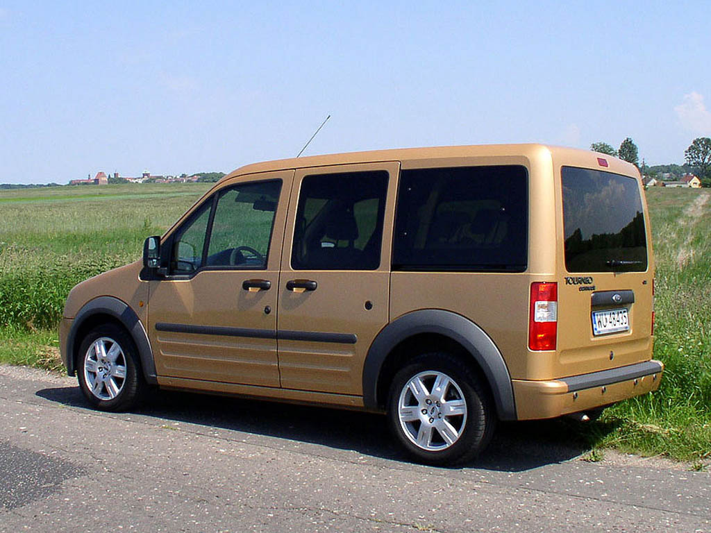 Ford Tourneo Connect: 7 фото