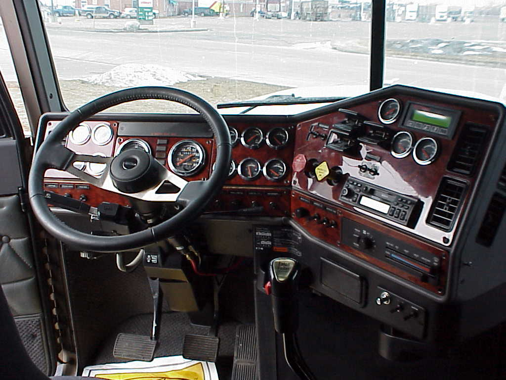 Freightliner Classic 04 фото